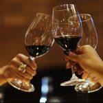安いワインが頭痛を引き起こすというのは間違い?  頭痛を防ぐ飲み方とは