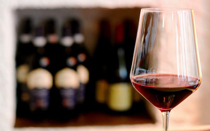 梅雨時に何倍もワインを楽しむ方法